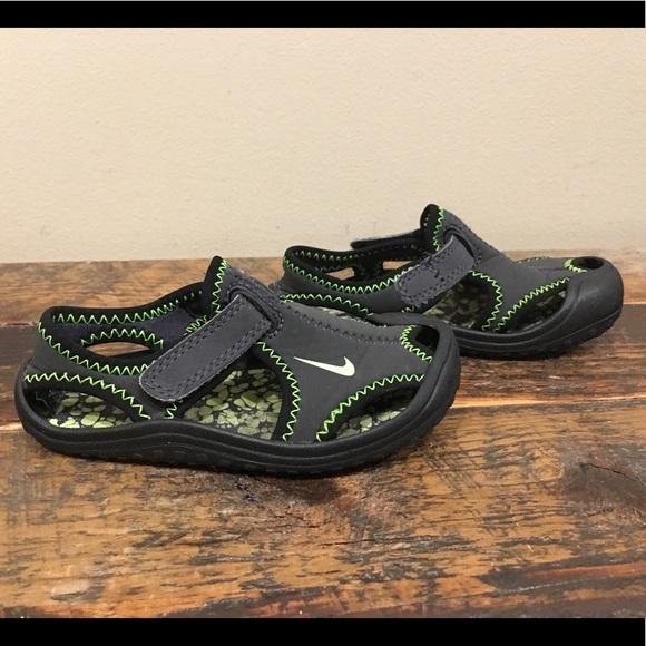Nike Sandals sz 7C
